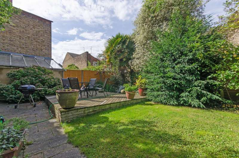 2 Bedrooms Flat for sale in Pandora Road, West Hampstead, NW6