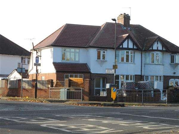 8 Bedrooms Semi Detached House for sale in Ruislip Road East, West Ealing