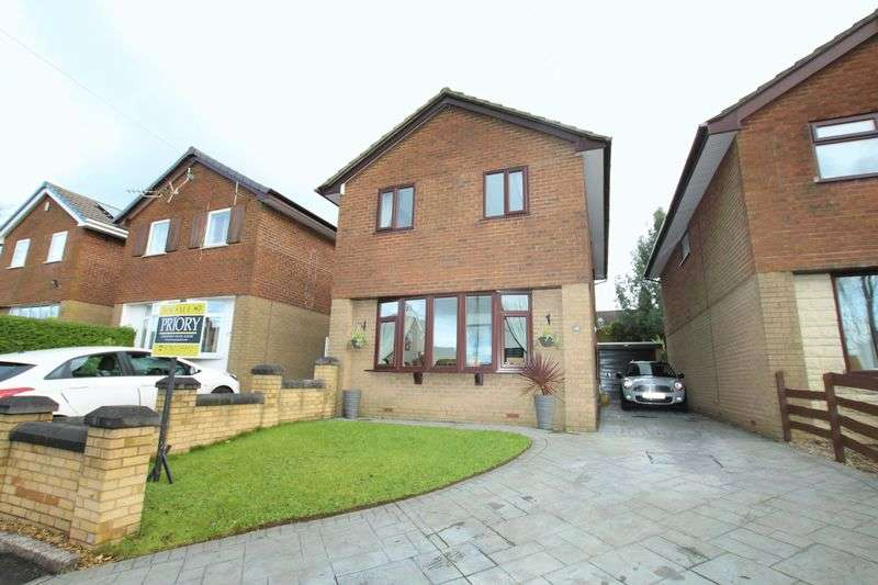 3 Bedrooms Detached House for sale in Fairfields Road, Biddulph Moor