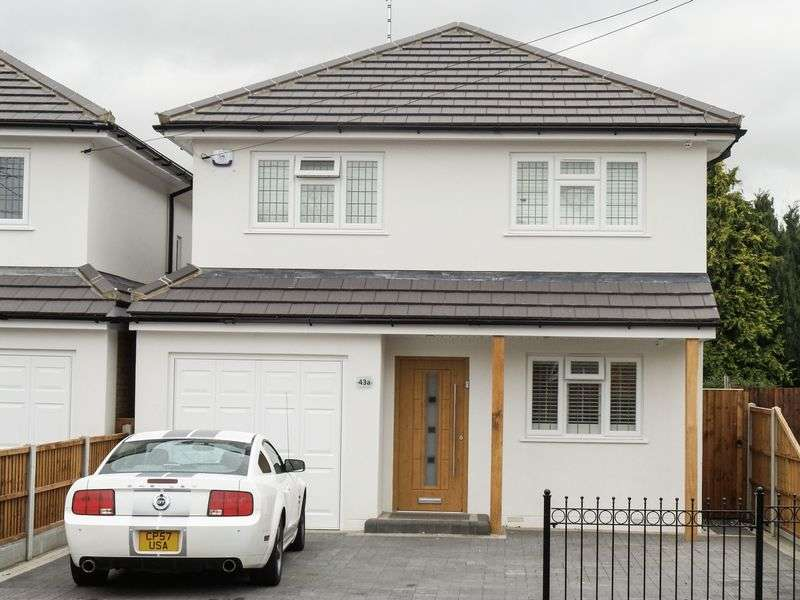 4 Bedrooms Detached House for sale in Grove Road, Rayleigh, Essex