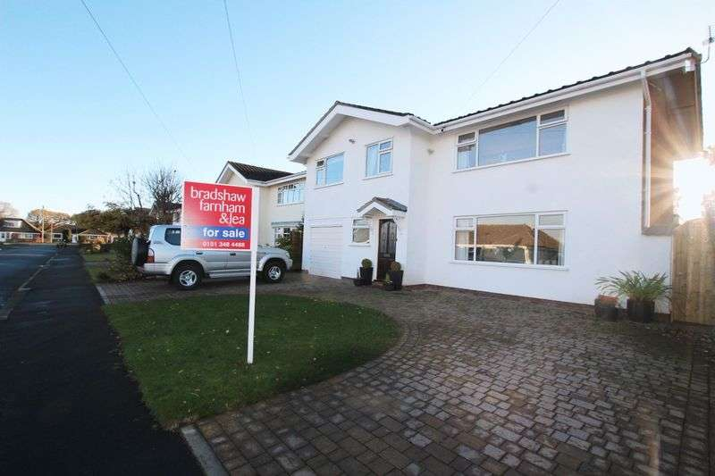 4 Bedrooms Detached House for sale in Kestrel Road, Heswall