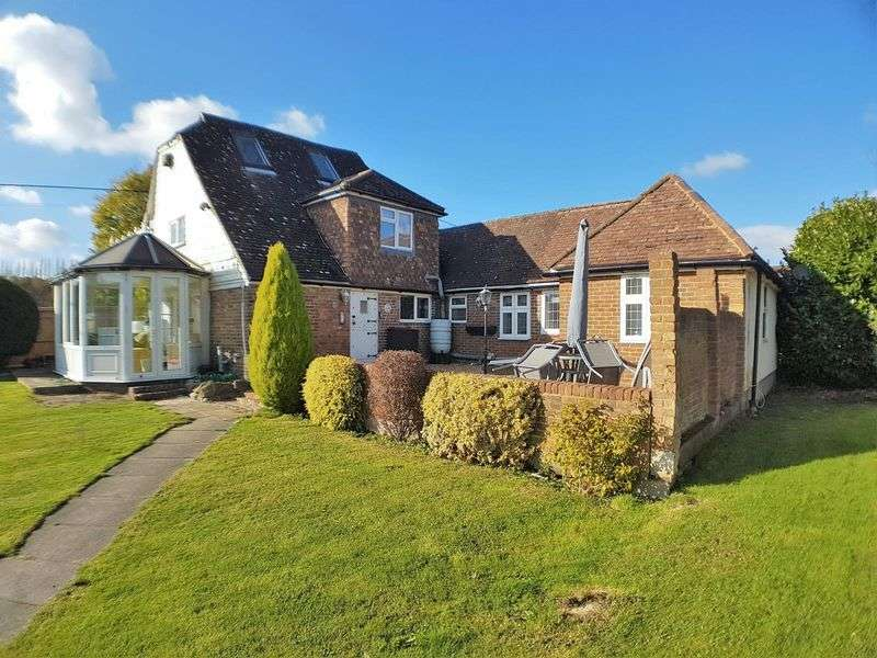 4 Bedrooms Detached House for sale in Kent Street, Sedlescombe, Battle