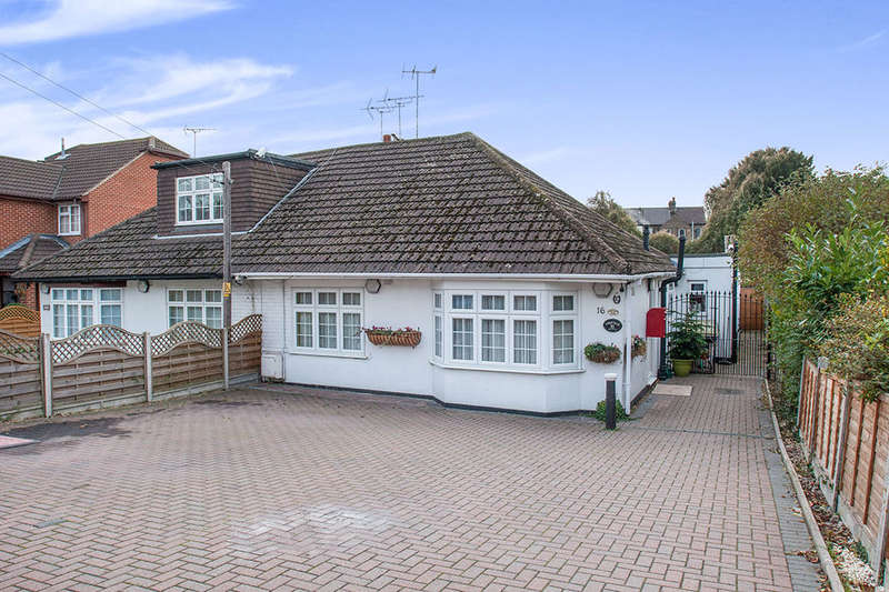 4 Bedrooms Semi Detached Bungalow for sale in Main Road, Longfield, DA3