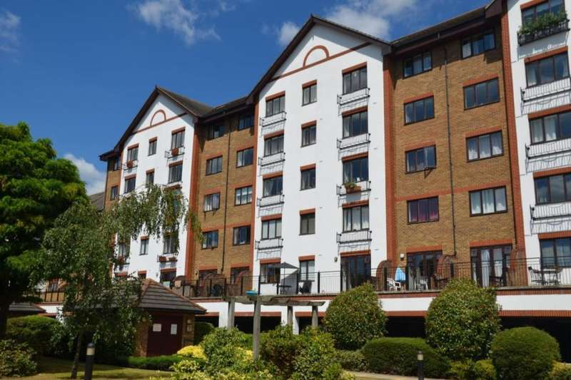 2 Bedrooms Flat for sale in Sopwith Way, Kingston Upon Thames, KT2
