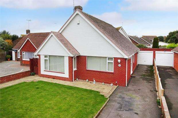 3 Bedrooms Detached Bungalow for sale in Kirkland Close, Rustington, West Sussex, BN16