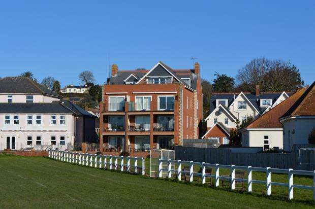 2 Bedrooms Flat for sale in Dunard, All Saints Road, Sidmouth, Devon