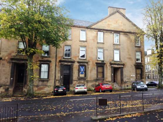 4 Bedrooms Apartment Flat for sale in Robertson Street, Greenock, Renfrewshire, PA16 8NL