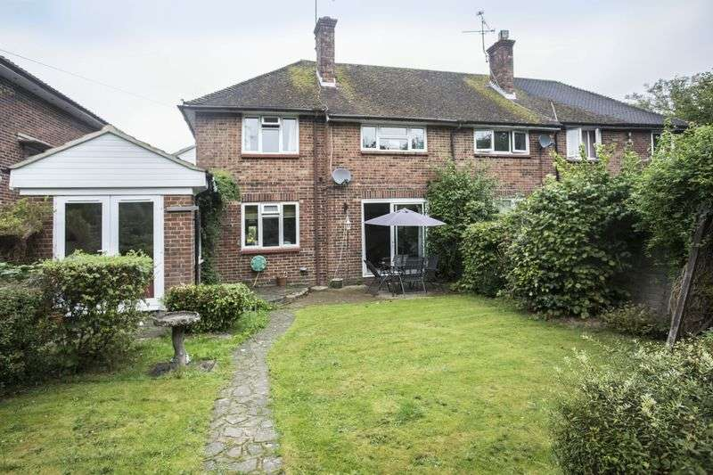 3 Bedrooms Semi Detached House for sale in Redford Avenue, Horsham