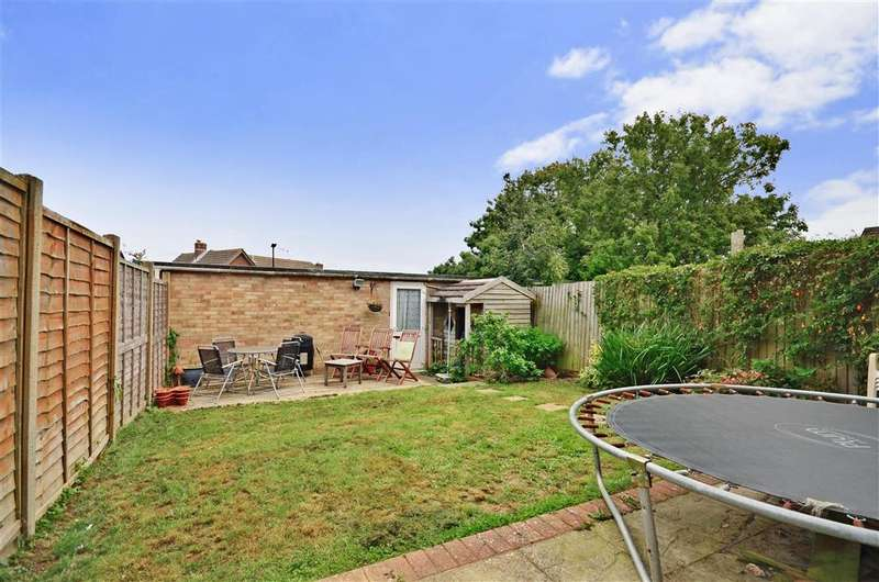 4 Bedrooms Terraced House for sale in Halford Close, Sandown, Isle of Wight