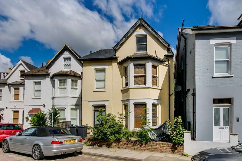 6 Bedrooms Detached House for sale in Larkfield Road, Richmond