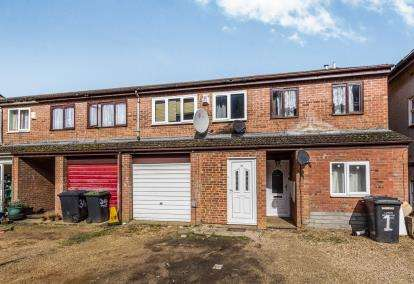 4 Bedrooms Terraced House for sale in Downs Road, Luton, Bedfordshire