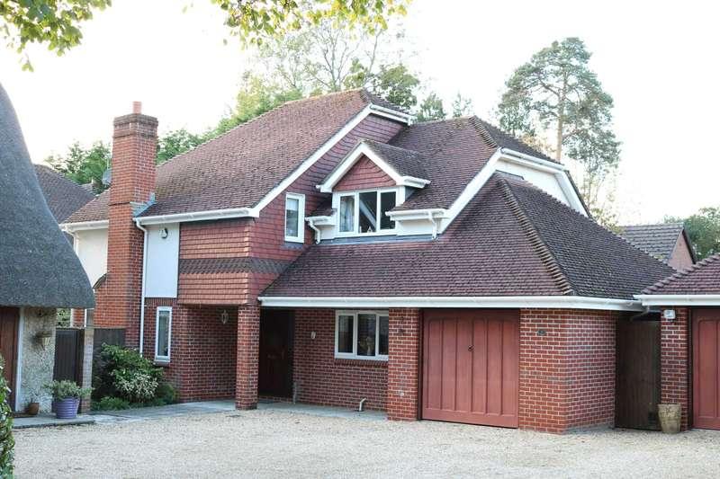 4 Bedrooms Detached House for sale in BH22 Moorlands Road, West Moors