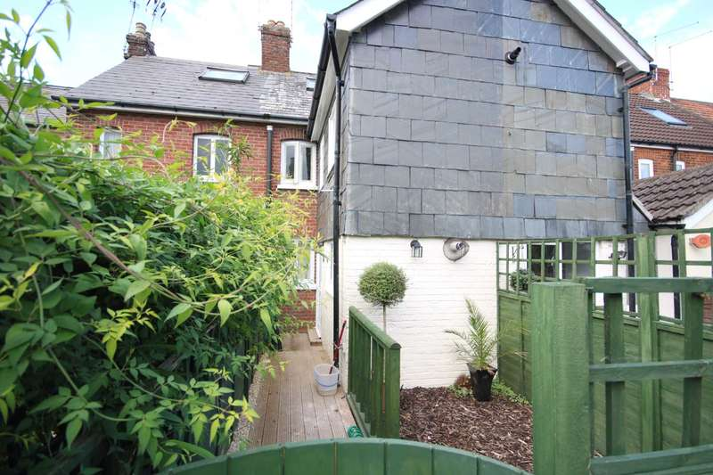 2 Bedrooms Terraced House for sale in BH24 New Street, Ringwood