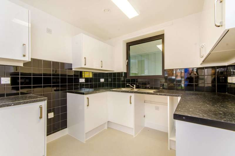 1 Bedroom Flat for sale in Parkside Bow, Bow, E3