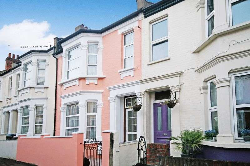 3 Bedrooms Terraced House for sale in Burns Road, London