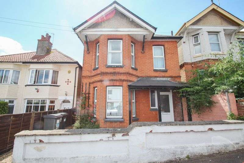 5 Bedrooms Detached House for rent in Acland Road, Charminster