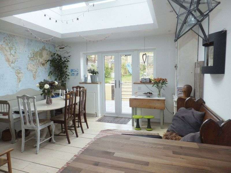 3 Bedrooms Property for sale in Mildmay Place, Sevenoaks