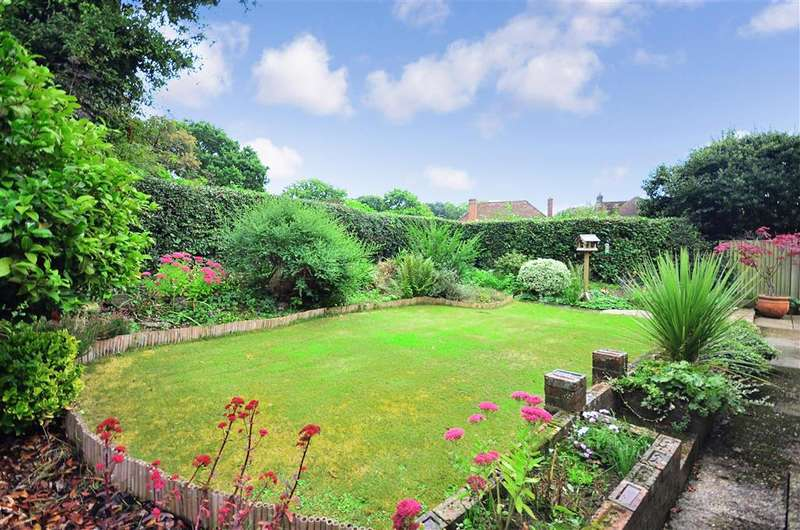 3 Bedrooms Bungalow for sale in Mount Close, Ewhurst, Surrey