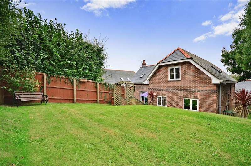 4 Bedrooms Detached House for sale in Broadway, Totland Bay, Isle of Wight