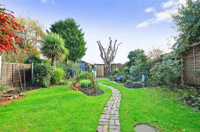 2 Bedrooms Semi Detached Bungalow for sale in Kemp Road, Whitstable, Kent