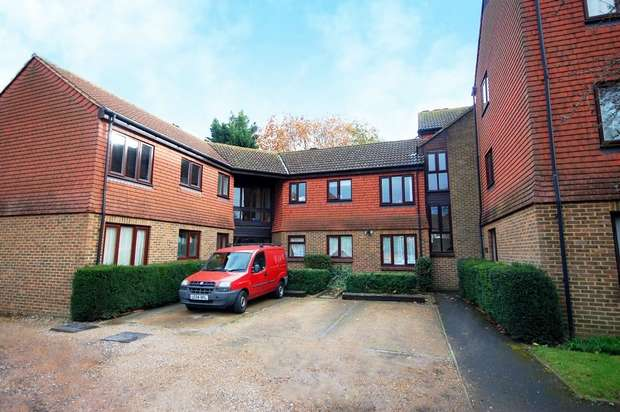 2 Bedrooms Flat for sale in Stanford Close, Hampton