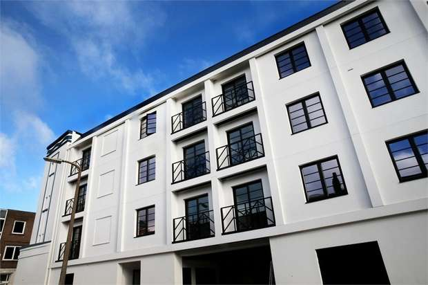 2 Bedrooms Flat for sale in The Essoldo, 19 King Street, Watford, Hertfordshire