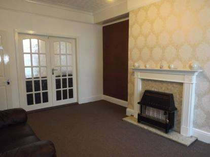 3 Bedrooms Terraced House for sale in St. James's Road, Blackburn, Lancashire