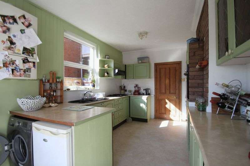 4 Bedrooms Semi Detached House for sale in Bellevue Road, Cowes