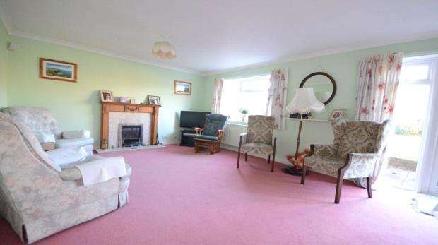 4 Bedrooms Detached House for sale in Ribstone Road, Cox Green, Maidenhead