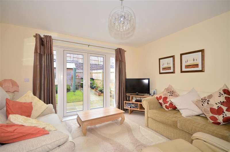 2 Bedrooms End Of Terrace House for sale in Church Path, East Cowes, Isle of Wight