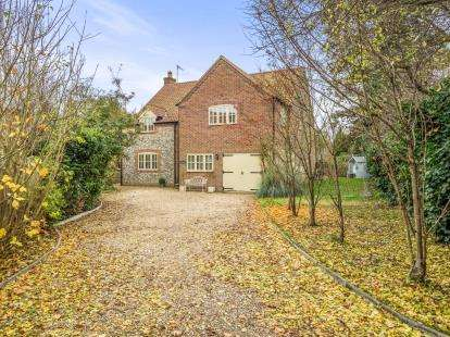 4 Bedrooms Detached House for sale in Fakenham, Norfolk