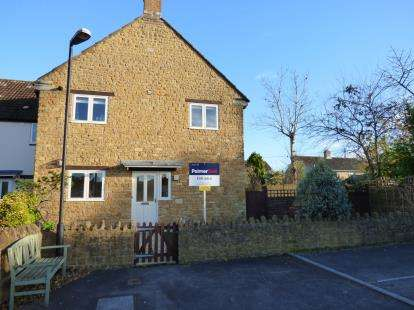 2 Bedrooms Flat for sale in Martock, Somerset