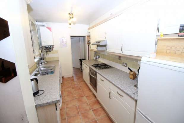 3 Bedrooms Apartment Flat for sale in Provincial Terrace, Green Lane, London, SE20