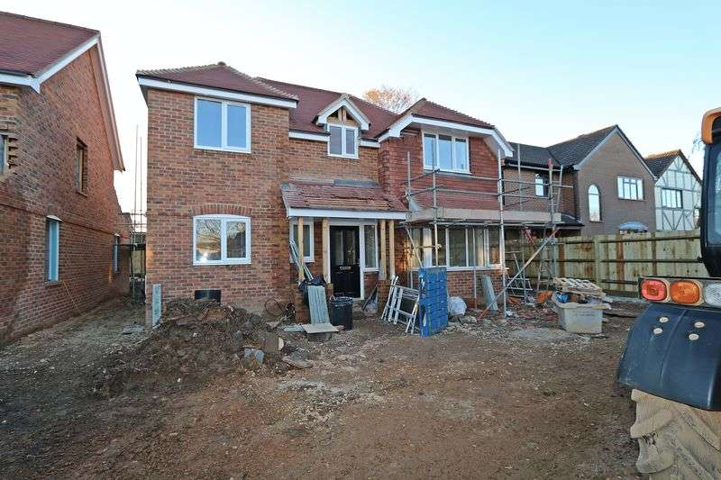 4 Bedrooms Detached House for sale in Southampton Road, Park Gate