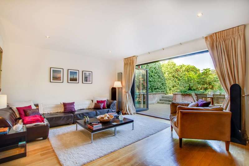 3 Bedrooms Flat for sale in Shoot Up Hill, Kilburn, NW2