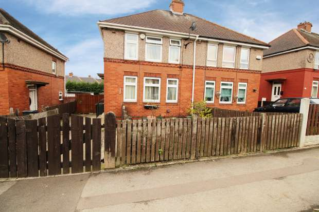 3 Bedrooms Semi Detached House for sale in Hastilar Road South, Sheffield, South Yorkshire, S13 8EH