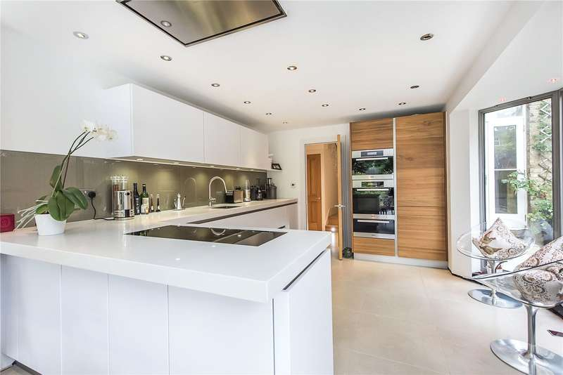 5 Bedrooms Terraced House for sale in Crescent Lane, London, SW4