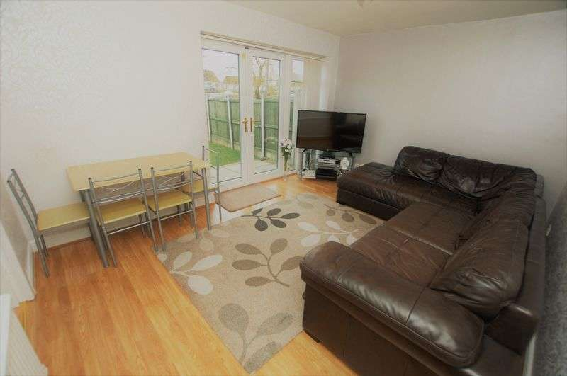 2 Bedrooms Flat for sale in Somerton Road, Bolton