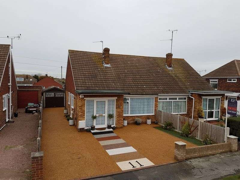 2 Bedrooms Semi Detached Bungalow for sale in Rosecroft Close, Clacton-On-Sea