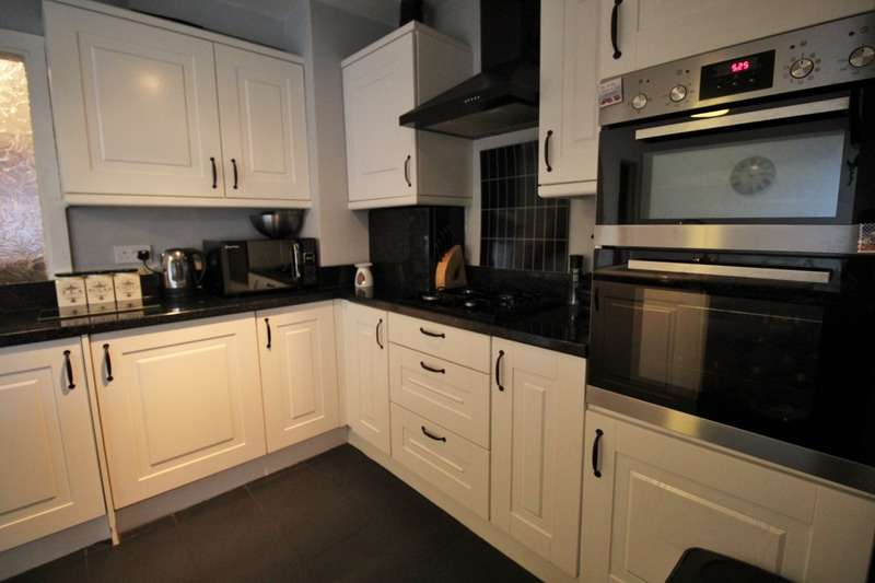 3 Bedrooms Terraced House for sale in Pwll y gath street, Kenfig hill, Glamorgan, CF33