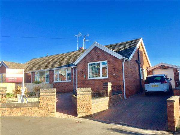 3 Bedrooms Semi Detached House for sale in Westbury Drive, Buckley