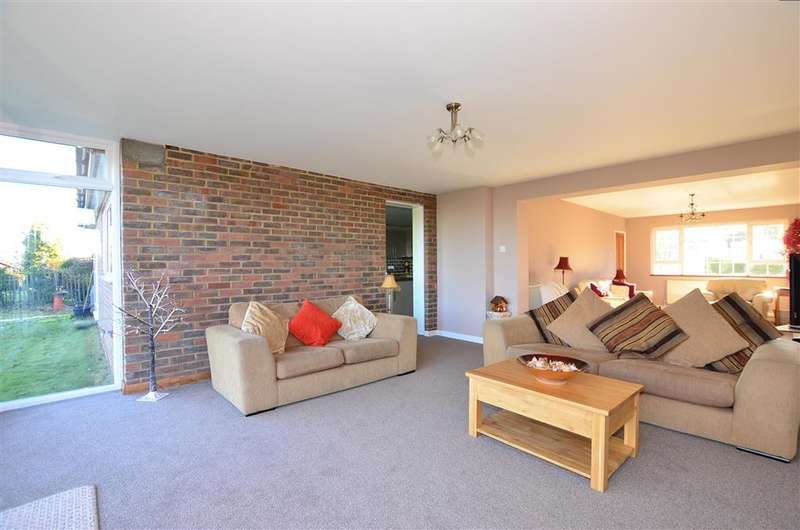 5 Bedrooms Detached House for sale in Colewood Drive, Higham, Rochester, Kent