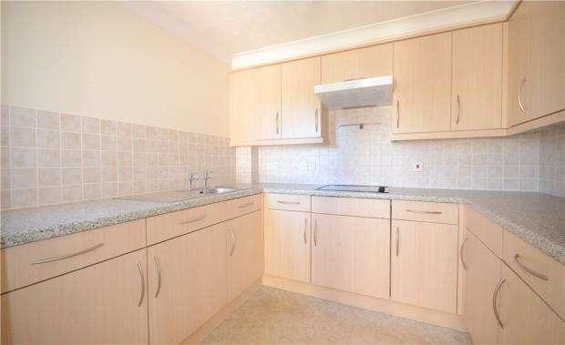 1 Bedroom Retirement Property for sale in Wilmot Court, 76-84 Victoria Road, Farnborough