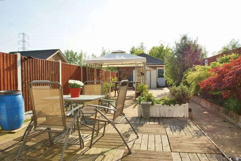 3 Bedrooms Semi Detached House for sale in Chafford Hundred Station Side