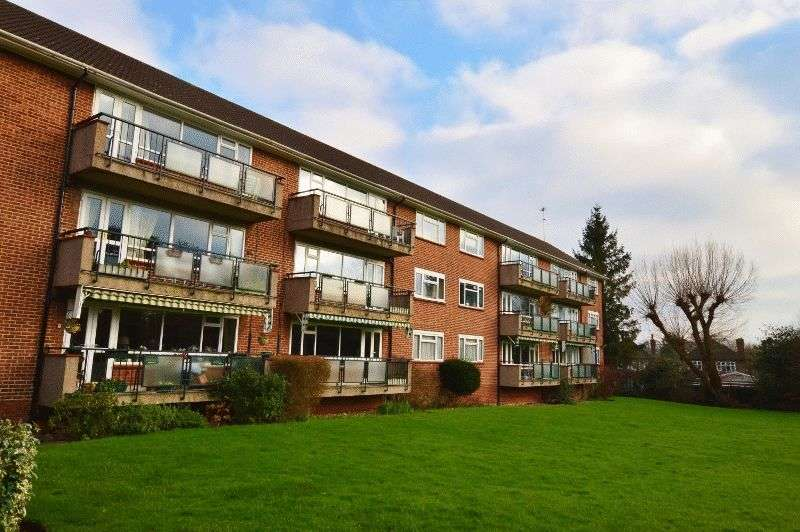 2 Bedrooms Flat for sale in Dove Park, Hatch End