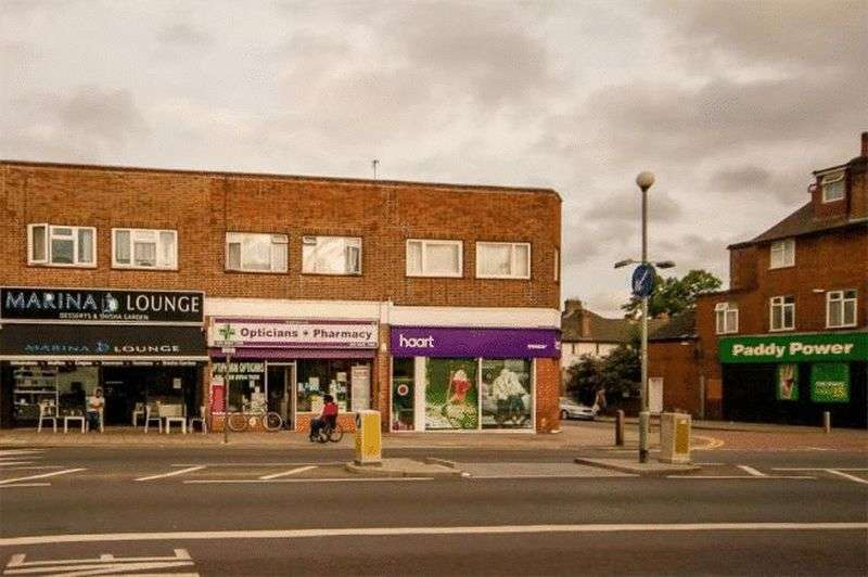2 Bedrooms Flat for sale in Bridge Road - Two Bed