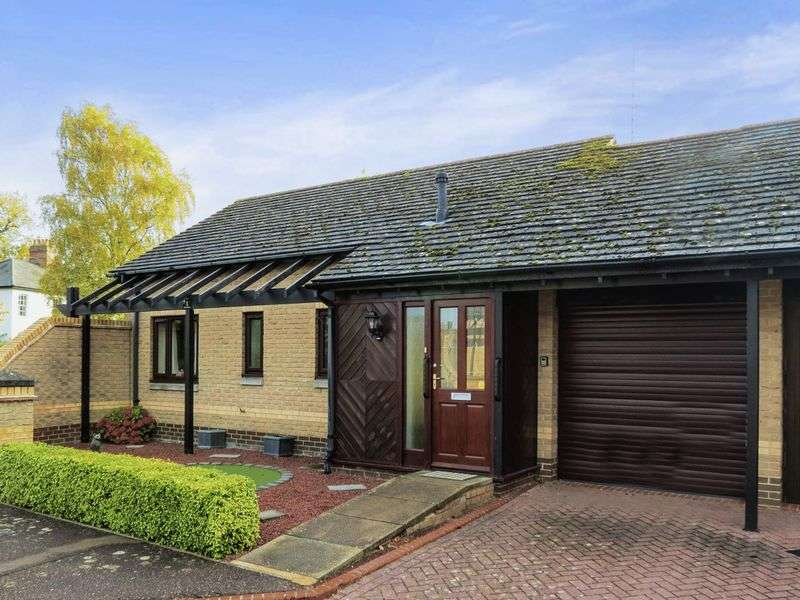 2 Bedrooms Detached Bungalow for sale in Castor