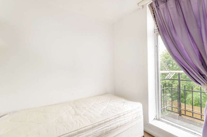 3 Bedrooms Flat for sale in Lisle Court, Cricklewood, NW2