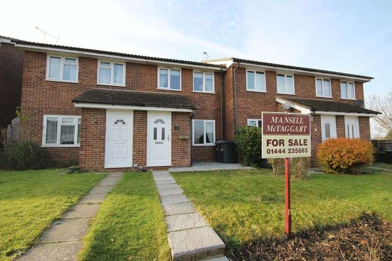 2 Bedrooms Terraced House for sale in Bridge Close, Burgess Hill, West Sussex