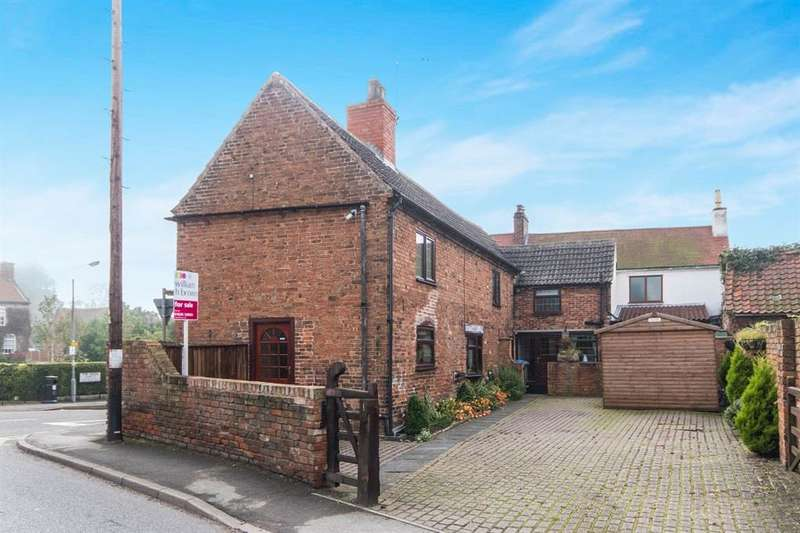 4 Bedrooms Detached House for sale in The Green, Dunham-On-Trent, Newark, NG22